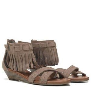 Minnetonka Moccasin Kezia Fringe Sandal Wedge